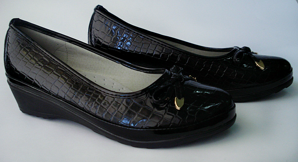 Сапожки, ботинки, туфли, балетки, босоножки.