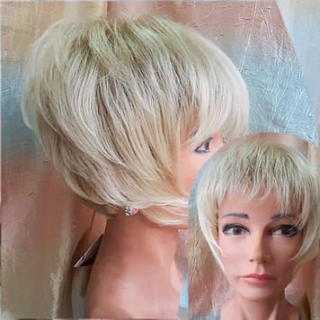Парик боб-каре из канекалона блонд омбре AGATA-24ВТ613