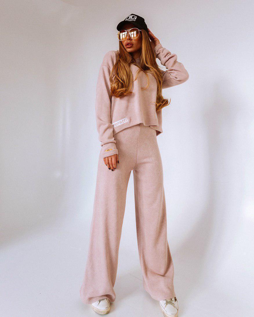 Женский брючный костюм с брюками клеш и кашемиром vN6002