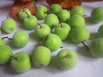 Яблоко сахарное, 4 см. Зеленое