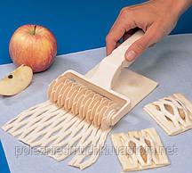 Валик-делитель для теста сеткой 12 см. пластиковый Martellato