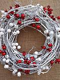 Біло-червоний новорічний вінок на двері 35 см, фото 2