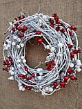 Біло-червоний новорічний вінок на двері 35 см, фото 3