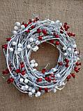 Біло-червоний новорічний вінок на двері 35 см, фото 5