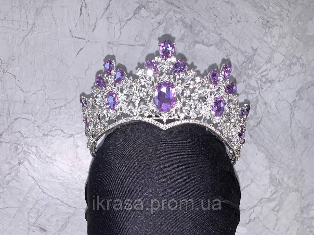 Висока корона півколом срібного кольору з фіолетовим камінням (8cm)