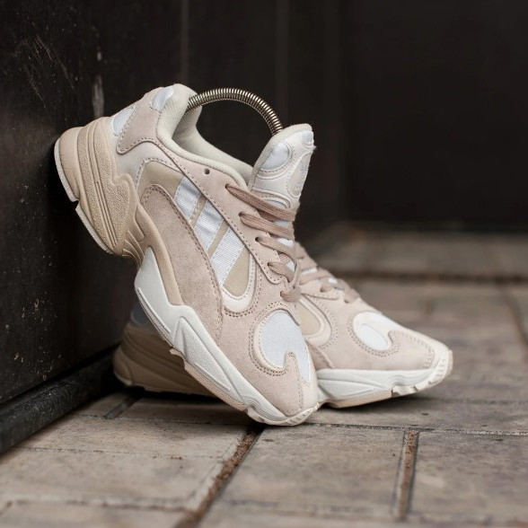 Кроссовки женские Adidas Yung-1 Beige Бежевые женские