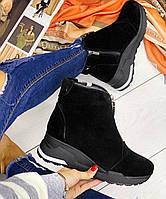 Черные женские ботинки зимние из натуральной замши