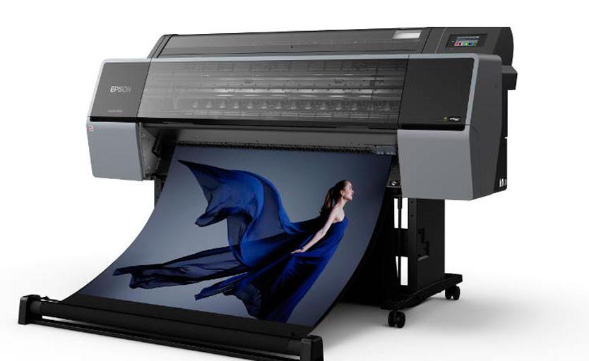 Epson выпускает 12-цветные широкоформатные плоттеры с покрытием 99% цветовой таблицы Pantone