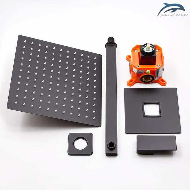 Оригинальная душевой набор для скрытого монтажа BSKV-01 с дизайном квадратной формы в матовом черном цвете.