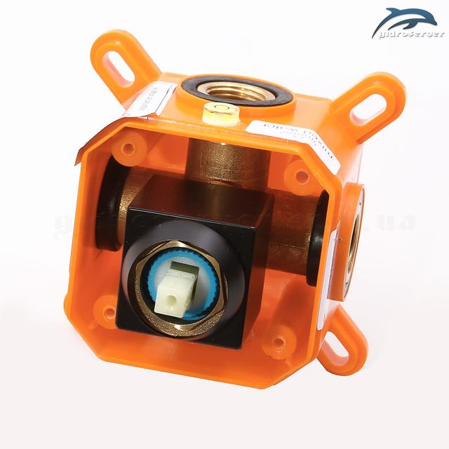Душевая система для скрытого монтажа BSKV-01 укомплектована латунным смесителем джойстикового типа.