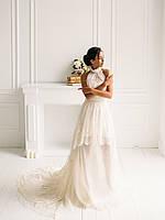 Классическое свадебное платье из тонкого кружева и органзы