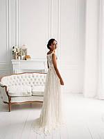 Классическое свадебное платье из тонкого кружева с вышивкой, фото 2