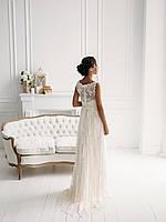 Классическое свадебное платье из тонкого кружева с вышивкой, фото 3
