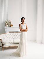 Классическое свадебное платье из тонкого кружева с вышивкой, фото 4