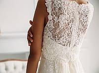 Классическое свадебное платье из тонкого кружева с вышивкой, фото 5