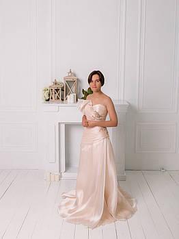 Свадебное платье из розовой органзы с вышивкой