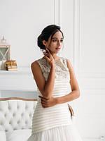 Свадебное платье со складками кружевом и пышной юбкой, фото 3