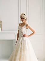 Свадебное платье с кружевом и пышной юбкой из органзы, фото 2