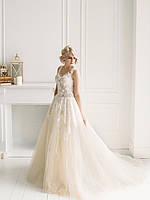 Свадебное платье с кружевом и пышной юбкой из органзы, фото 4