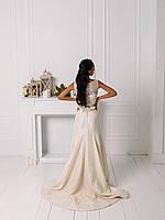 Свадебное гипюровое приталенное платье с цветком, фото 3