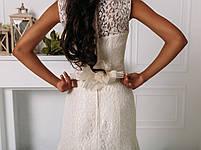 Свадебное гипюровое приталенное платье с цветком, фото 6
