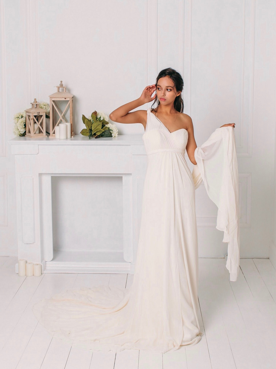 Классическое свадебное платье со сборками
