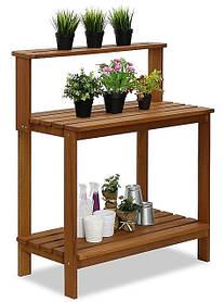 Декоративный деревянный стол для работы в саду