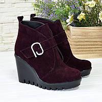 Ботинки замшевые зимние женские на высокой платформе, цвет фиолетовый, фото 1