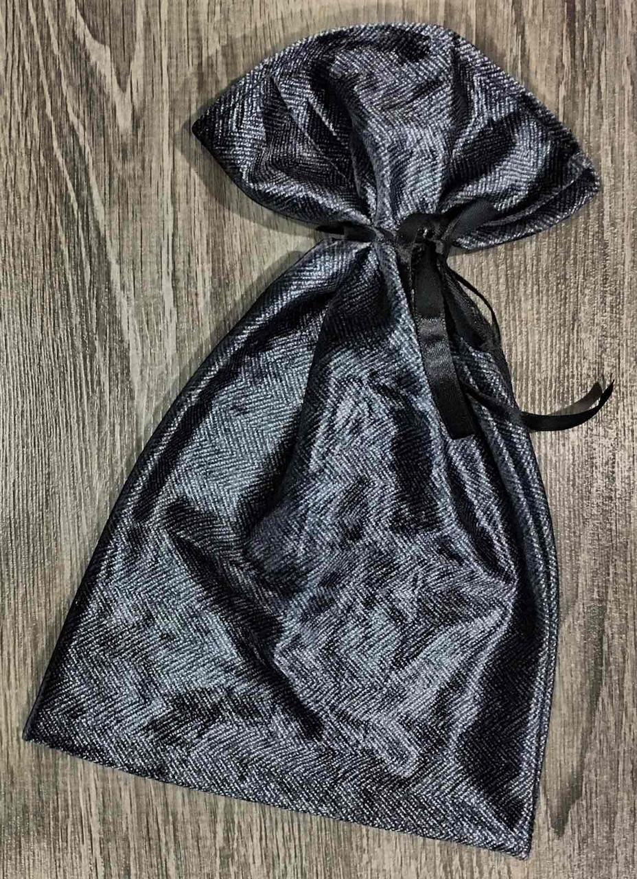 Велюровий мішечок для упаковки подарунків з атласним бантом.
