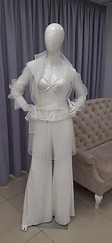 Свадебный брючный костюм для невесты с накидкой