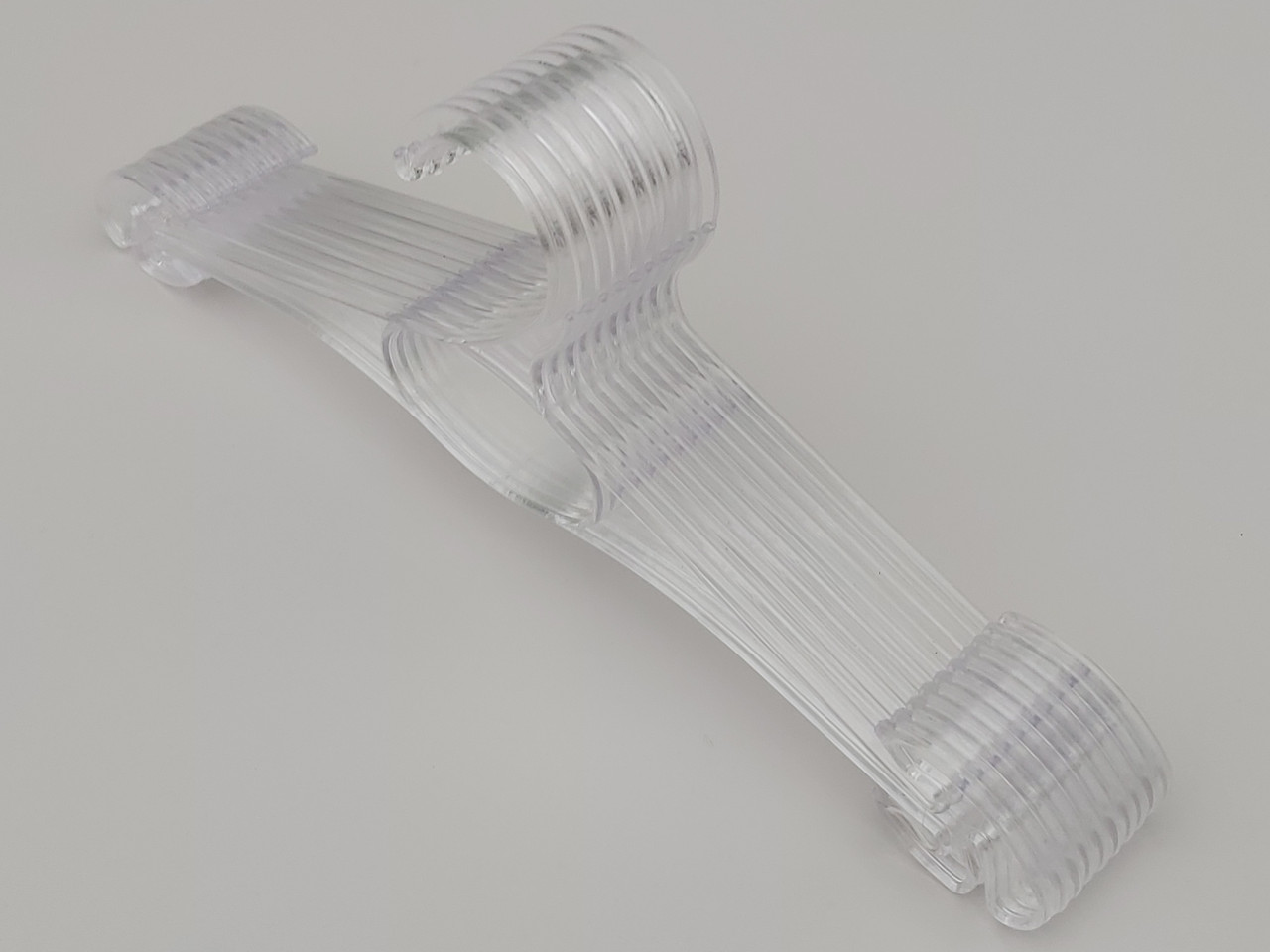 Плечики длина 30 см, в упаковке 10 штук.  V-N30ps цвет прозрачный
