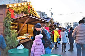 ✅ Компания «Промконтракт» изготовила и поставила в Шепетовку Хмельницкой области торговые киоски для организации Рождественской ярмарки.  16