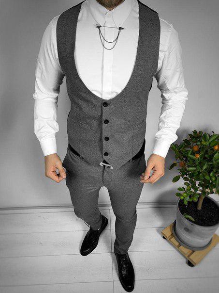 Классический мужской костюм: брюки и жилет (два цвета)