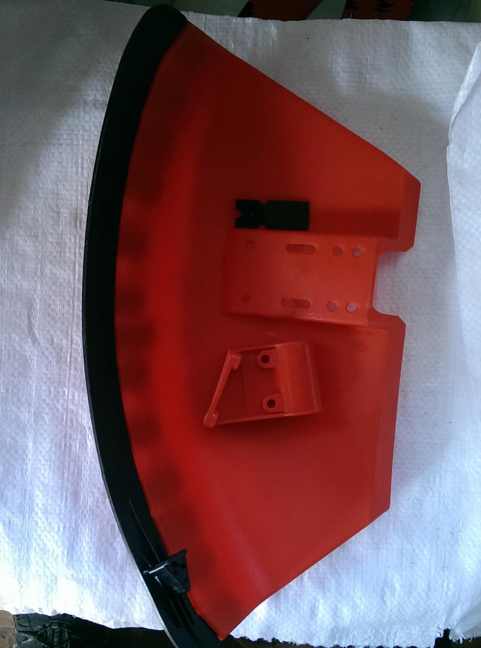 Защитный кожух с креплением и ножом для Китайских мотокос, бензокос, тримеров