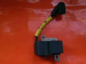 Husqvarna 235 мотокоса Катушка зажигания оригинал 537038501