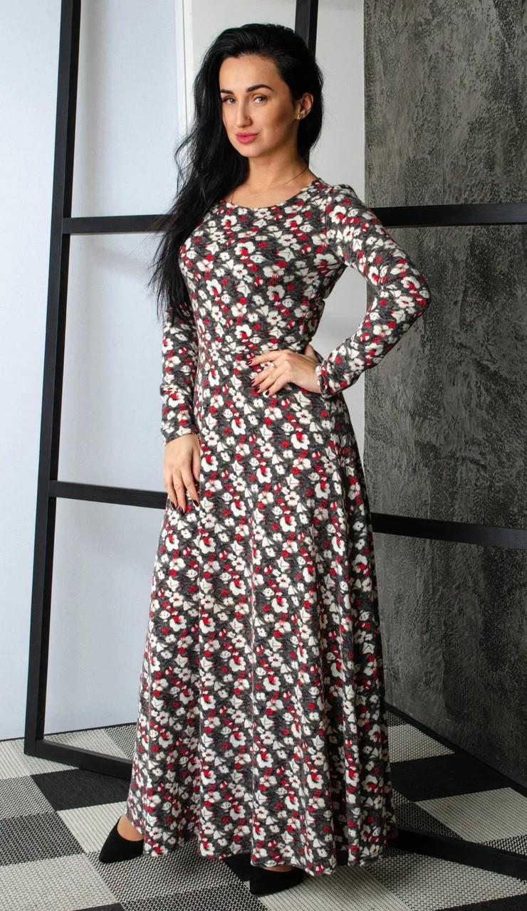 Теплое женское платье с цветочным принтом