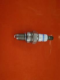 Свеча BOSH UCR7 AC FS-87/90/100 для мотокос ,бензопил оригинал