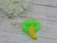 """Силиконовая форма Fom-flowers для создания конфетки """"Банан"""" 1,2х3,2 см, фото 1"""