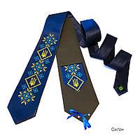 Галстук с вышивкой в украинском стиле