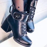 Зимние ботинки на каблуке, фото 1