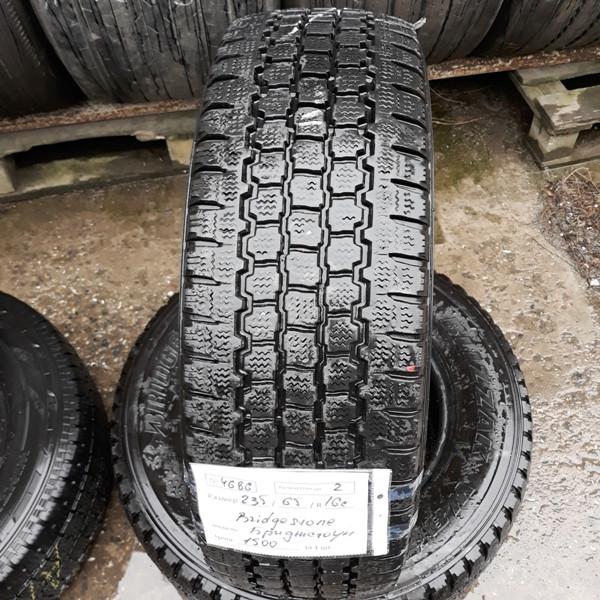 Майже Нові бусовские шини б.у. , гума бо 235.65.г16с Bridgestone Blizzak W800 Бріджстоун