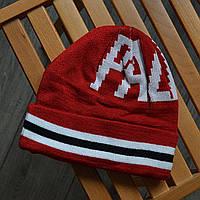 Зимняя шапка в стиле Palace красная