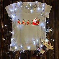 Женская футболка  с принтом - Санта с оленями