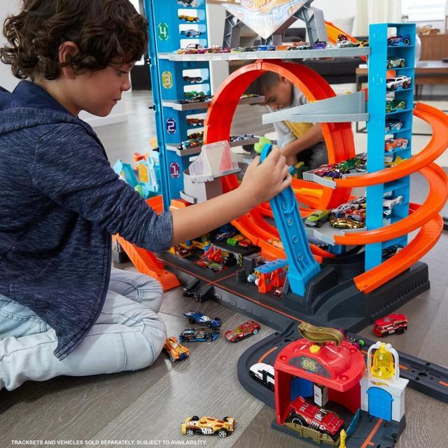 Гараж Mattel Городской Гараж с Акулой Hot Wheels (FTB69)