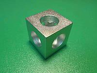 Кутовий з'єднувач куб верстатного профілю 20 серії, сріблястий