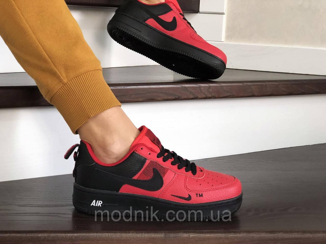 Женские кроссовки Nike Air Force (красно-черные)