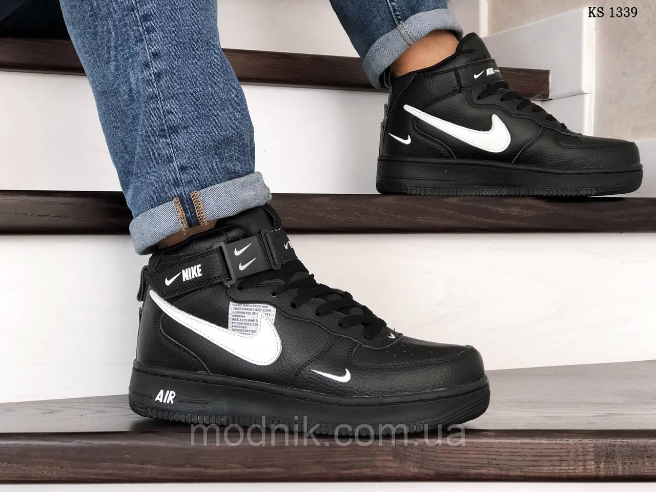 Мужские зимние кроссовки Nike Air Force 1 07 Mid LV8 (черные)