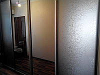 Шкаф купе с бронзовыми зеркалами, фото 1