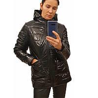Демисезонная женская куртка с накладным карманом, модель Юлия, черный лак, размеры 48 - 54