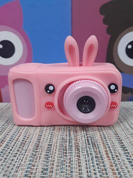 Цифровой фотоаппарат для девочки с функцией видео розовый в чехле зайка
